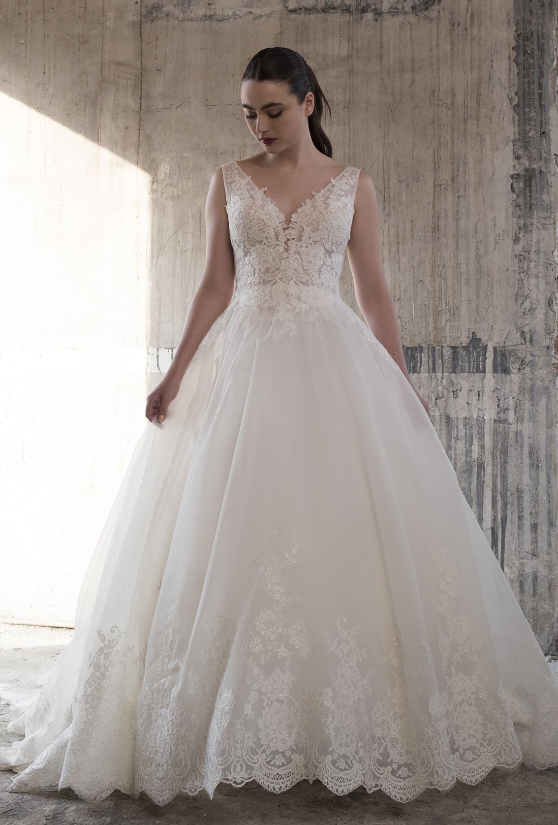 23b7d33a17 ¡Queremos ser testigos de tu felicidad y amor! Descubre el vestido de tus  sueños.